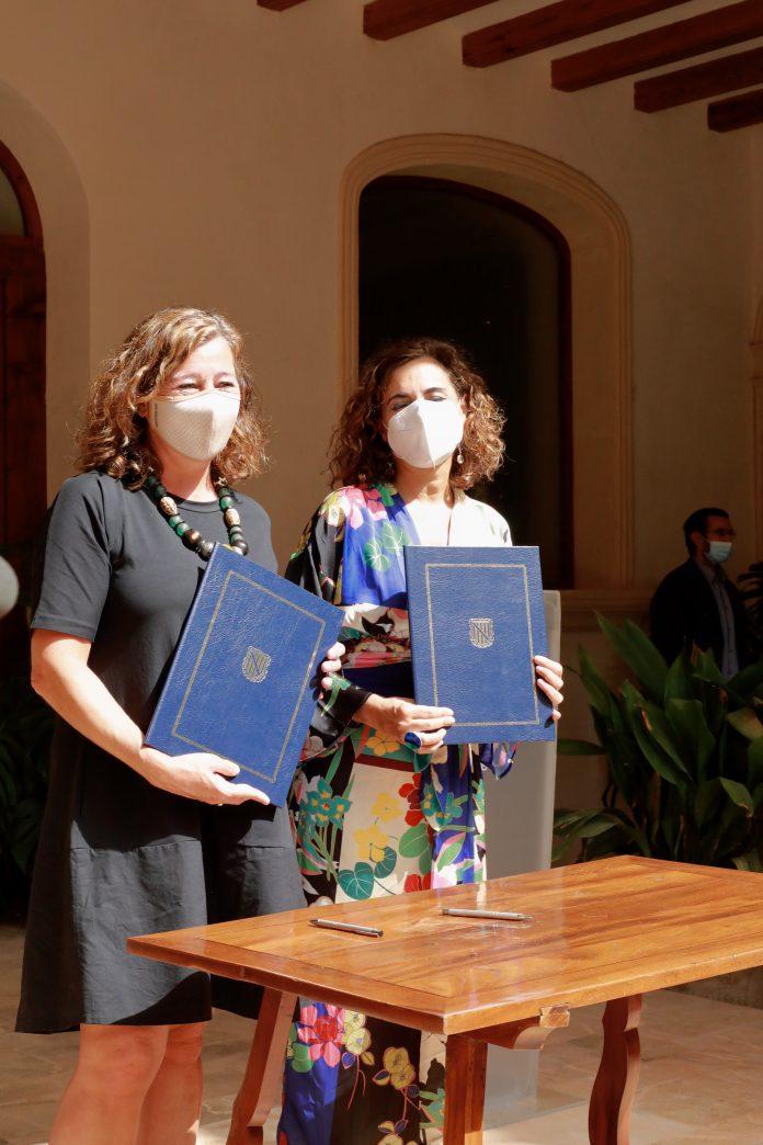 Francina Armengol i María Jesús Montero